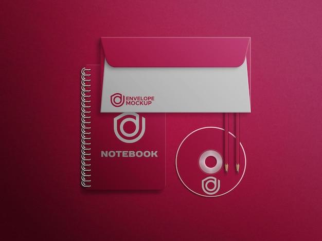 Disco de notebookcd e maquete de envelope
