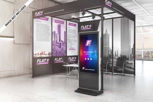 Display lcd e painéis gráficos no mockup da sala de exposições