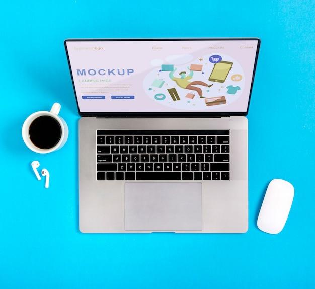 Dispositivo de compras de mock-up com café