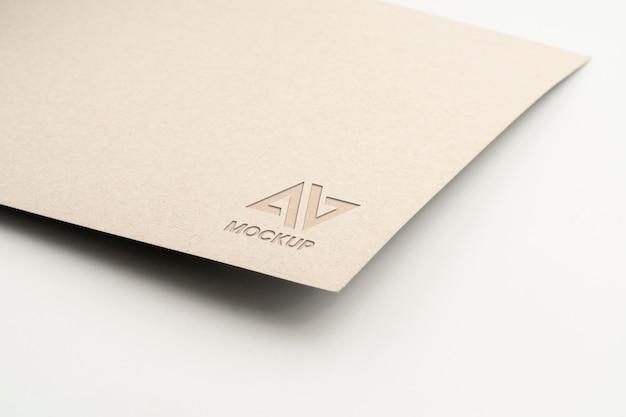 Documentos com design elegante de logotipo de maquete em alta visualização