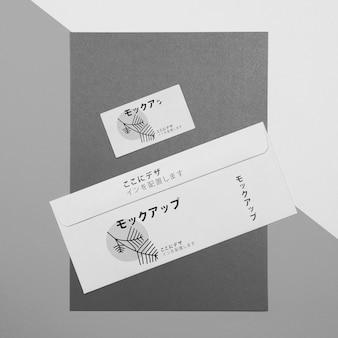 Documentos de papelaria de vista superior com modelo de logotipo