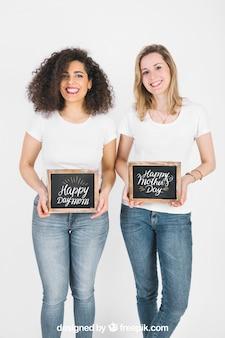 Duas mulheres, mostrando, ardósia