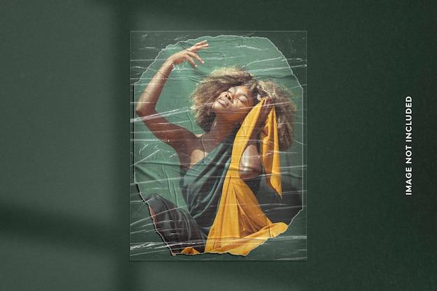 Efeito de foto realista em papel rasgado e filme plástico