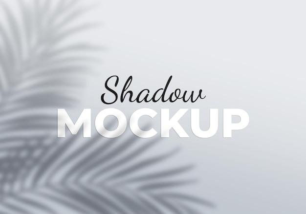 Efeito de sobreposição cinza da maquete de sombras transparentes de folhas de palmeira