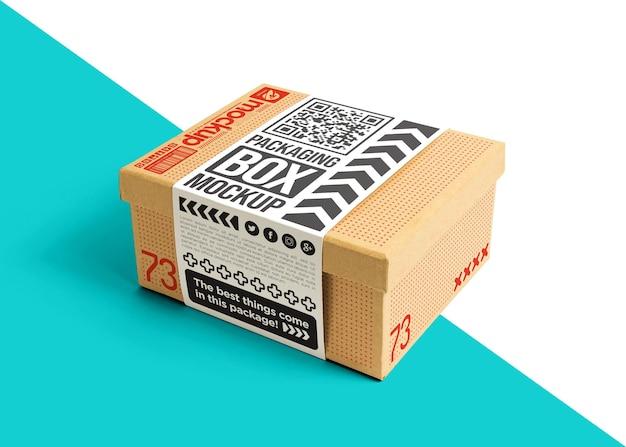 Embalagem caixa de papelão com maquete de adesivo