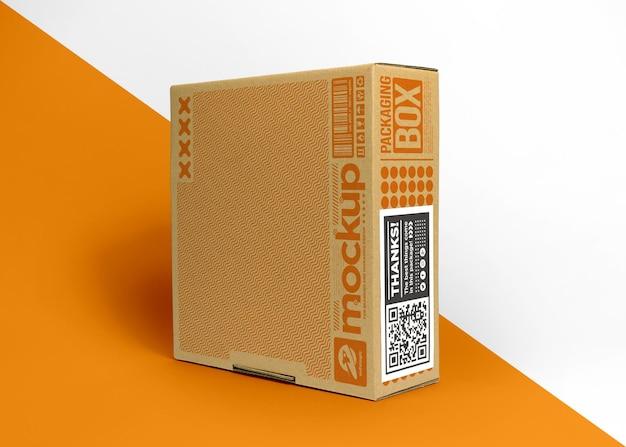 Embalagem caixa de papelão com maquete