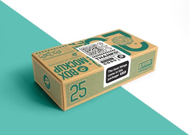 Embalagem de caixa de papelão com maquete de etiqueta adesiva