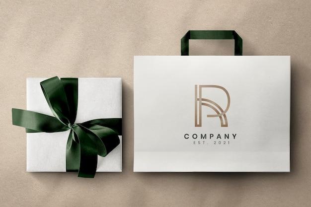 Embalagem de luxo com caixa de presente e bolsa