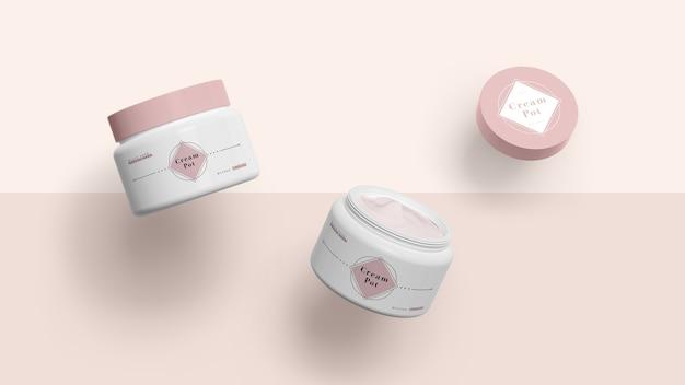Embalagem rosa de produtos cosméticos