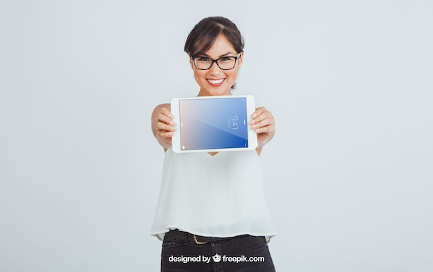 Empresária e tablet