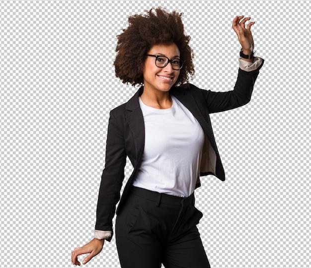 Empresária negra dançando
