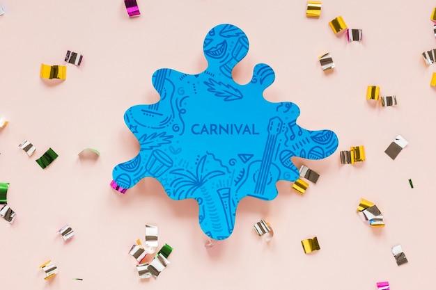 Entalhe colorido do carnaval brasileiro