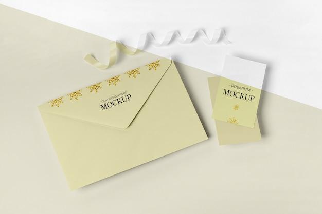 Envelope com cartão de convite
