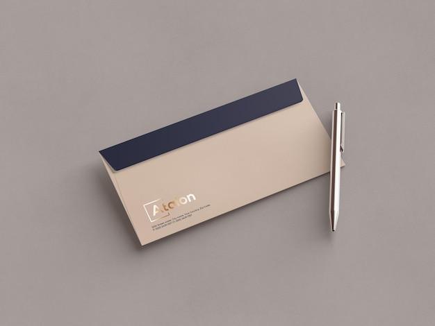 Envelope com maquete de caneta