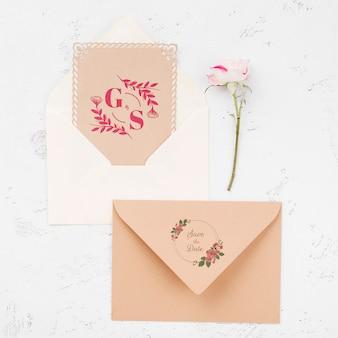 Envelope de maquete de conceito de casamento