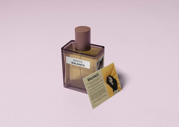 Envelope de produto perfumado com informações