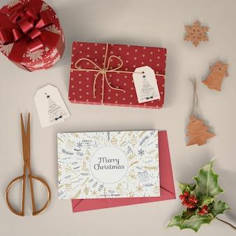 Época de natal para embrulhar maquete de presentes