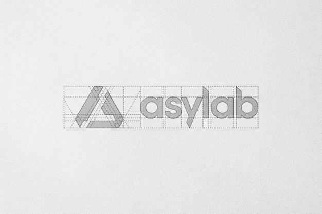 Esboço a lápis de papel de maquete de logotipo