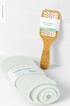 Escova de cabelo de bambu quadrada com maquete de toalha