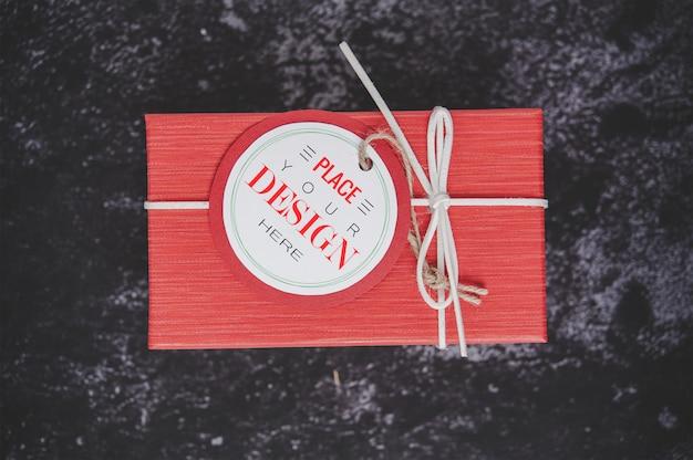 Etiqueta de presente de natal na caixa de presente