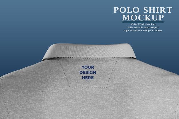 Etiqueta do logotipo na parte de trás da camiseta polo