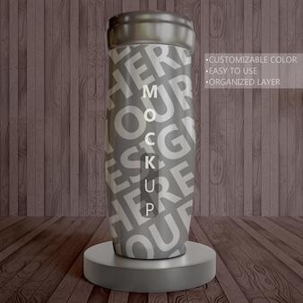 Feche a maquete do copo isolado na prancha de madeira