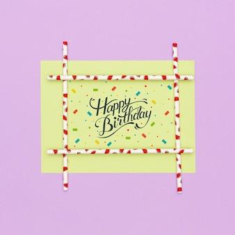 Feliz aniversário cartão com maquete