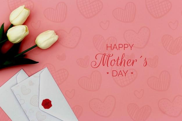 Feliz dia das mães com tulipas e envelopes