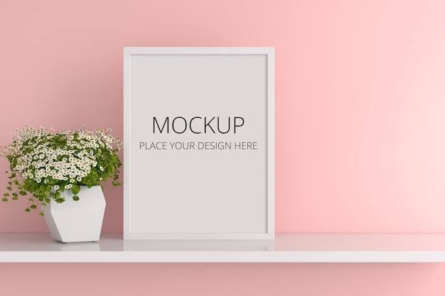 Flor em vaso com maquete de quadro