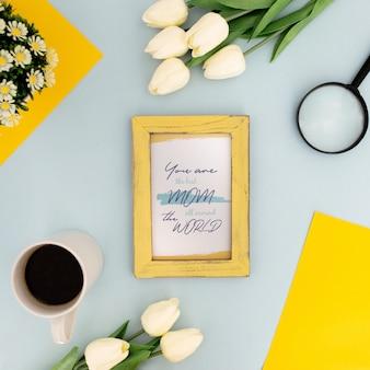 Flores de quadro de maquete de dia das mães