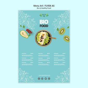 Flyer com modelo de alimentos saudáveis e bio