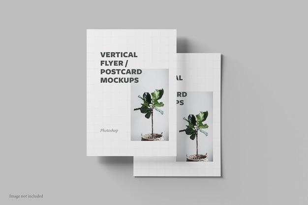 Flyer vertical e vista superior do modelo de cartão postal