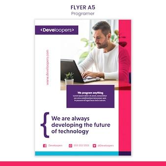 Folheto de modelo de anúncio para programador