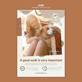 Folheto de modelo de dia para passear com o cachorro