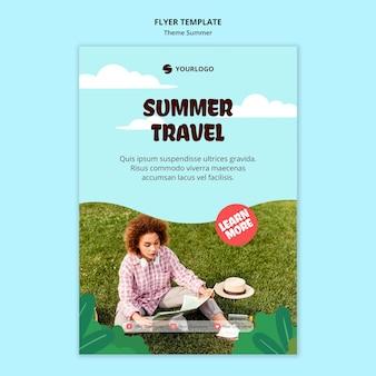 Folheto de modelo de viagem de verão