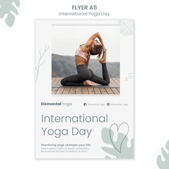Folheto do dia internacional de ioga Psd grátis