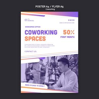 Folheto vertical para espaço de coworking