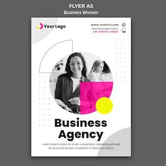 Folheto vertical para mulher de negócios