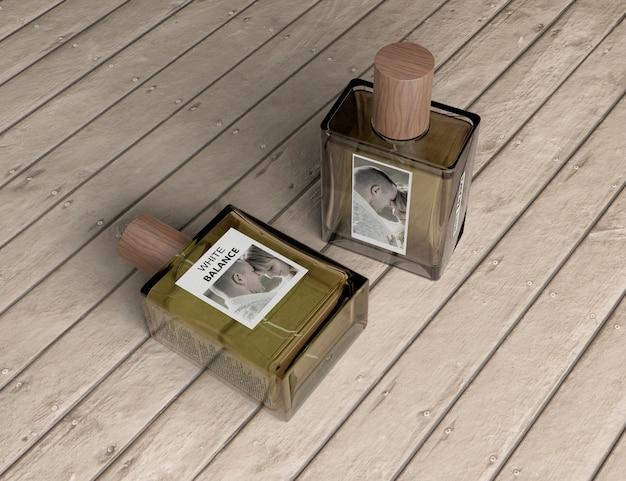 Frascos quadrados de maquete de perfume