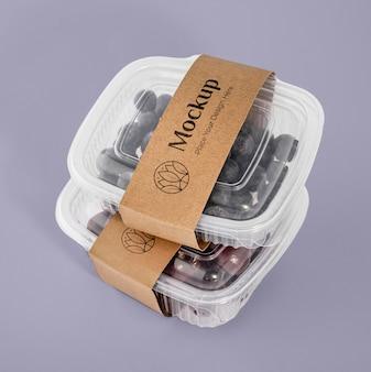Frutas em arranjo de embalagem mock-up