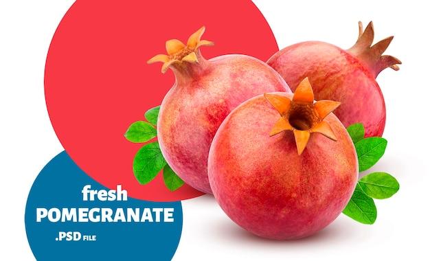 Frutas frescas de romã madura isoladas