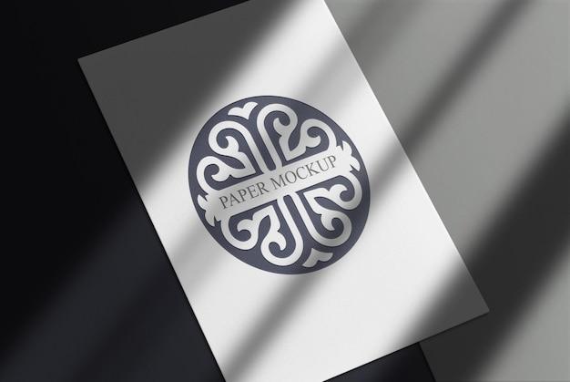 Fundo de papel branco de maquete de logotipo preto de luxo