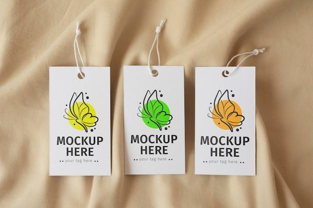 Garmen pendurar etiquetas de etiqueta