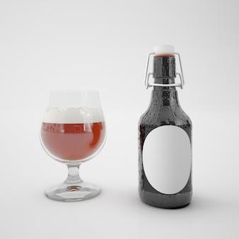 Garrafa com rótulo em branco e copo com bebida