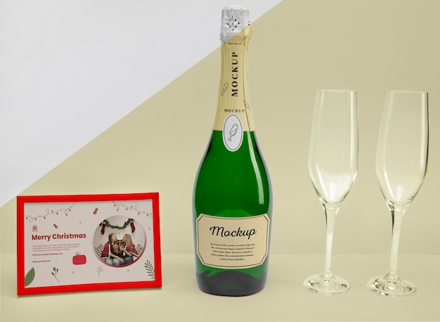 Garrafa de champanhe com maquete