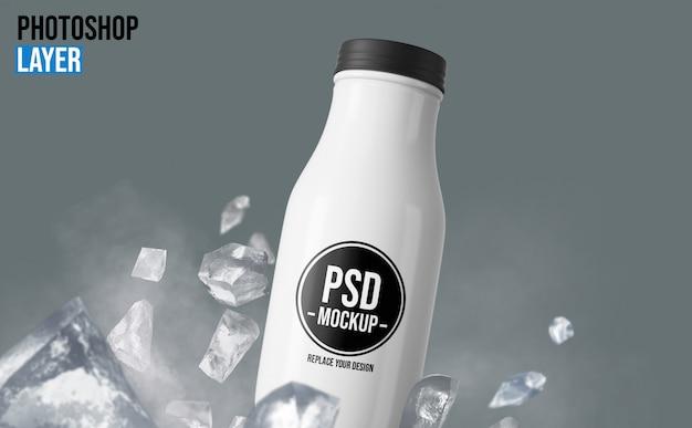 Garrafa de plástico com maquete de gelo