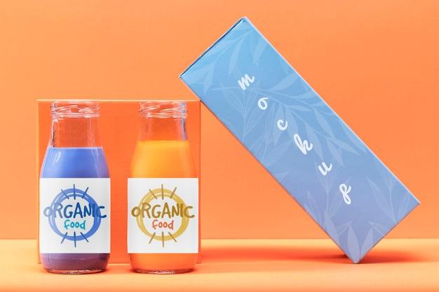 Garrafas de mock-up de smoothies orgânicos
