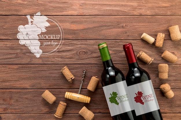 Garrafas de vinho com vista frontal e espaço de cópia