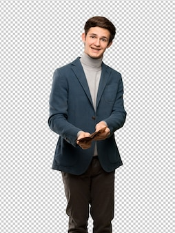 Homem adolescente, com, gola alta, segurando, um, carteira