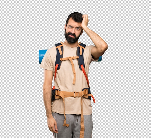Homem alpinista com uma expressão de frustração e não compreensão